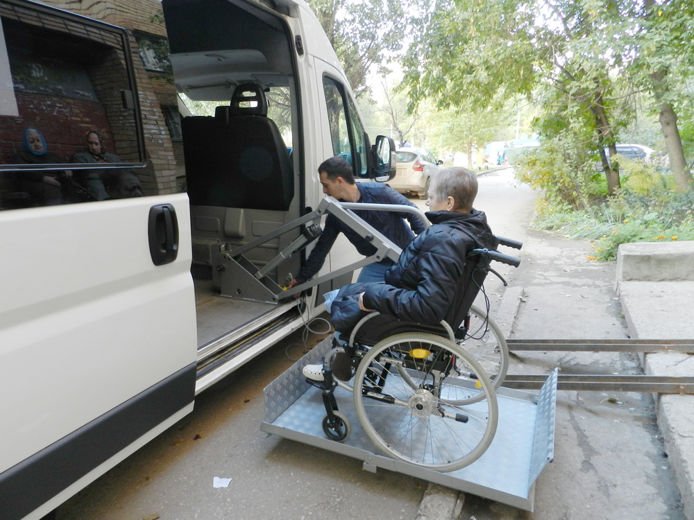 Услуги по перевозке лежачих больных и инвалидов